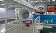 Две такие крутилки воздуходувки запросто делают двухметровые волны. Учения максимально приближены к реальным условиям - увеличить