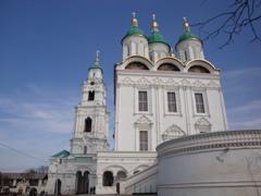 Успенский собор и вход в Кремль - увеличить