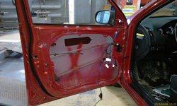 Замена уплотнителя водительского стекла по гарантии. Чёрная полоска - шумоизоляция двери! - увеличить