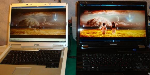 3D на экране ноутбука Samsung RF712 S02 - увеличить