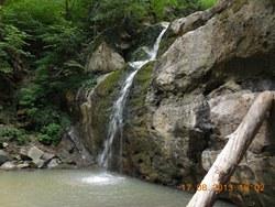 Водопад Волчье ущелье - увеличить