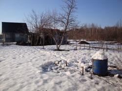 Просто набили бочки снегом - увеличить