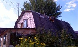 Старая крыша, вид с дороги - увеличить