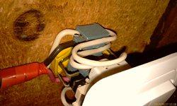 Монтаж выключателя у люка - переделал через клеммник - так надёжнее