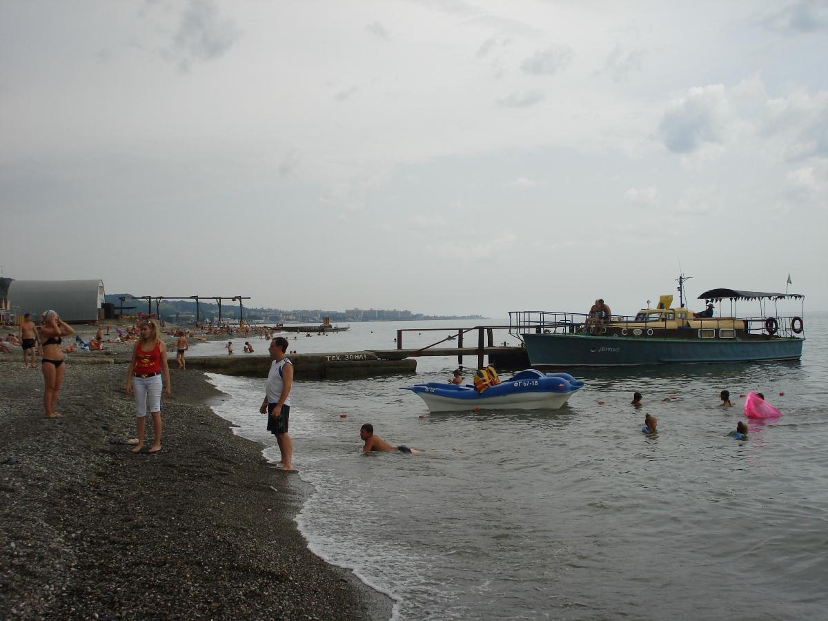 Актеры на пляже фото