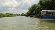 Казачий ерик - вид на причал с реки - увеличить