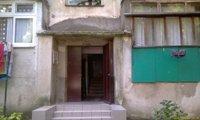 Самый говёный дом в Лазаревском, в котором находятся самые говёные квартиры, которые сдаёт самый говёный парень - Сергей с телефоном +7 988 142 31 32, ул. Победы, 131 - увеличить