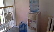 Вода бутилированая и кипяток - на лестничной площадке недалеко от номера - увеличить