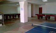 Два гигантских бильярдных стола и теннисный стол - играй не хочу - увеличить