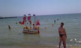Местный пляжный пацанский бизнес - увеличить