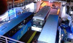 Греческие паромы - и машины, и автобусы - вмещается всё! Впритык и миллиметраж, но - убираются! - увеличить